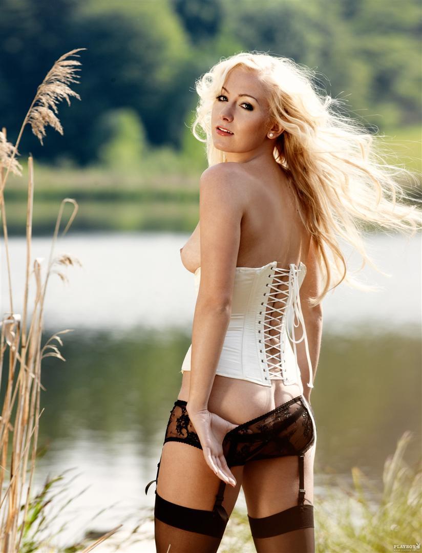 Footballeuses allemandes nues dans Playboy - 20 juin 2011