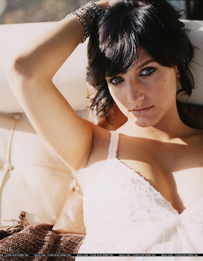 Ashlee Simpson nue Photos et Vidéos de -