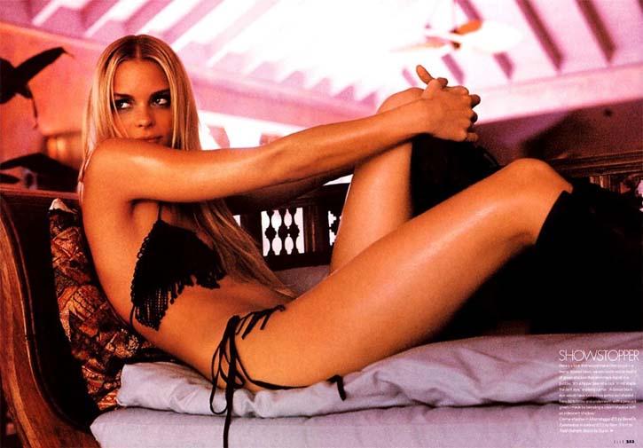Jolie blonde essaie la sodomie