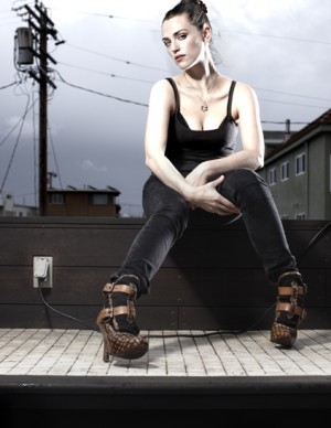Katie McGrath nue - Bio, 22 Photos, Vidéos, News | LES