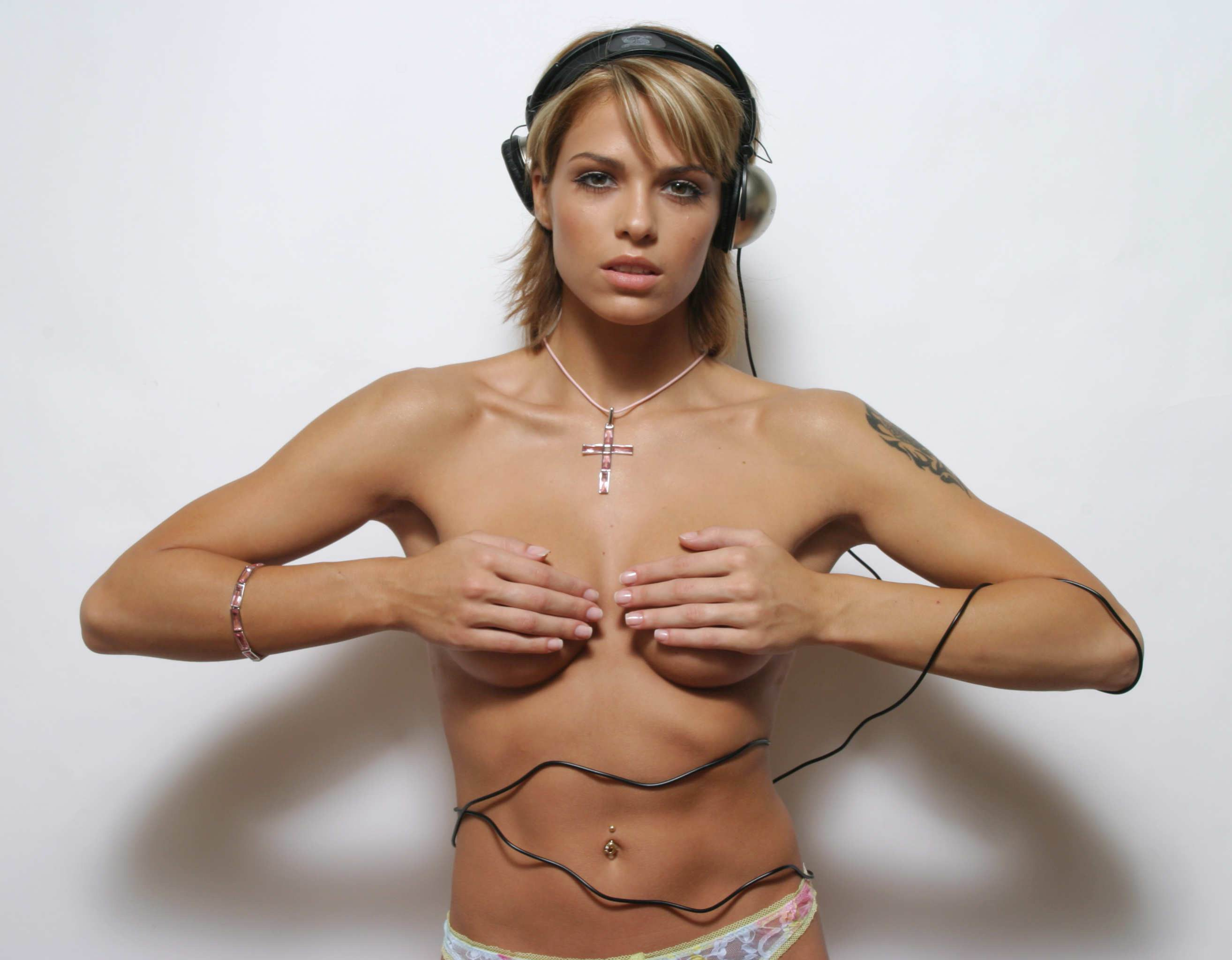 niki belucci sexy et nue